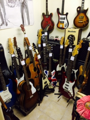 Instruments - Various Guitars & Bass's and amps always in stock
