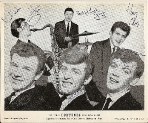 Fortunes, The - autographed promo photo, fully signed by all 3 band members and the 3 backing band members