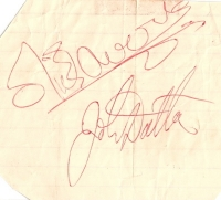 Kinks, The - signed piece of paper by all four band memebrs