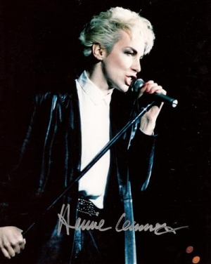 Lennox, Annie - signed colour photo