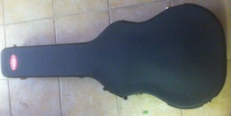 Instruments - Hard case for acoustic/ semi electric style guitar, good condition, 3 catches, one lockable